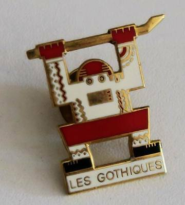 Vintage enamel Pin's pin - Hockey AMIENS Somme 80 - LES GOTHIQUES