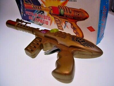 "GSGUN ""SPACE GUN"", 40cm, PLASTIC, FUNCTION OK, LIKE NEW in NICE ORIGINAL BOX"