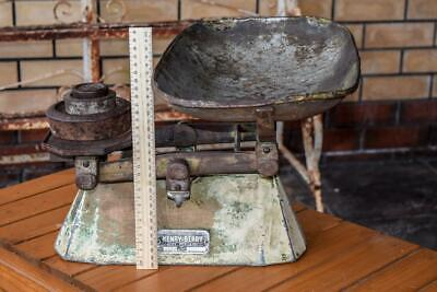 Vintage HENRY BERRY Scales - 20 lb Capacity & Weights - antique Rustic Look OLD