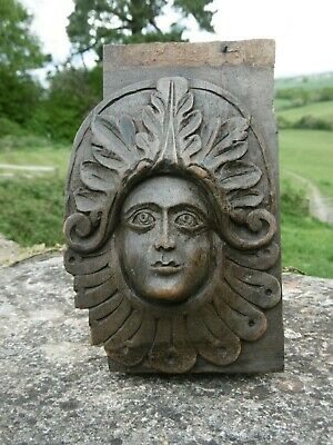 SUPERB 19thc GOTHIC OAK CARVED GREEN WOMAN WITH ACANTHUS LEAVES AROUND