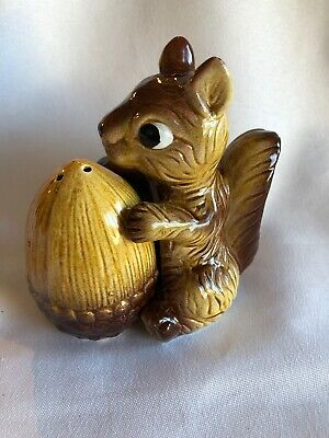 Vintage Retro Squirrel Hugging Acorn Salt And Pepper Shakers