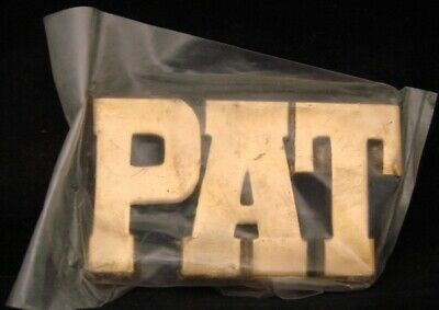 LF24116 *NOS* VINTAGE 1970s/80s CUT-OUT NAME ***PAT*** SOLID BRASS BUCKLE