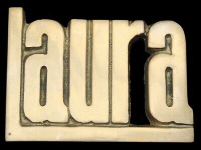 KK08122 *NOS* VINTAGE 1970s CUT-OUT NAME ***LAURA*** SOLID BRASS BUCKLE