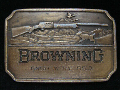 OB23132 VINTAGE 1970s **BROWNING FINEST IN THE FIELD** GUN HUNTING BELT BUCKLE