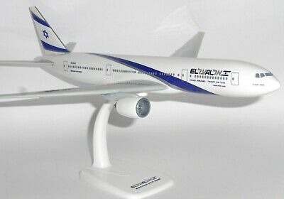 Boeing 777-200 Alitalia Airlines Herpa Collectors Model Scale 1:200 610957 G