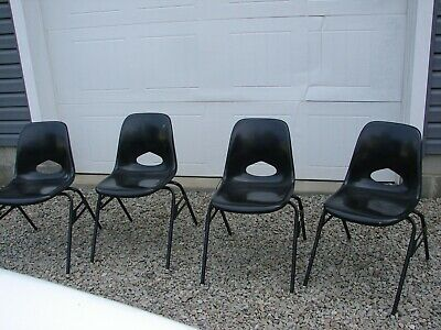 4 Black Vintage Fiberglass Chairs By Krueger Metal Products - Stacking