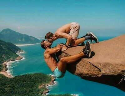 Shirtless Male Muscular Hunks Outdoor Rock Kissing Gay Interest PHOTO 4X6 C91