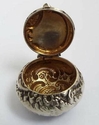 Lovely Decorative English Antique Victorian 1897 Solid Sterling Silver Pill Box