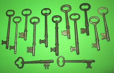 lot of 13 VINTAGE SKELETON KEYS OLD ROOM DOOR ANTIQUE MORE ANTIQUE KEYS LISTED