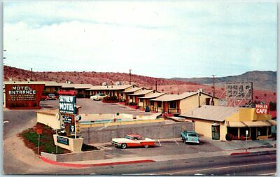 Barstow, California Postcard SKYVIEW MOTEL Highway ROUTE 66 Roadside c1950s