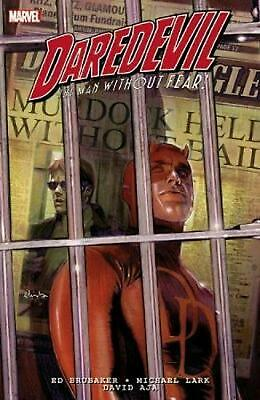 Daredevil By Brubaker & Lark Ultimate Collection 1 by Ed Brubaker (English) Pape