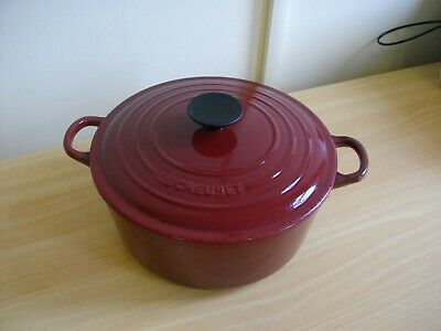 Le Creuset Dark Red Large Round Cast Iron Casserole Dish With Lid 24 CM VG COND!