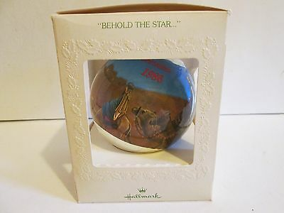 "(M) Hallmark Satin Ornament ""Behold The Star"" In Box, Unbreakable"