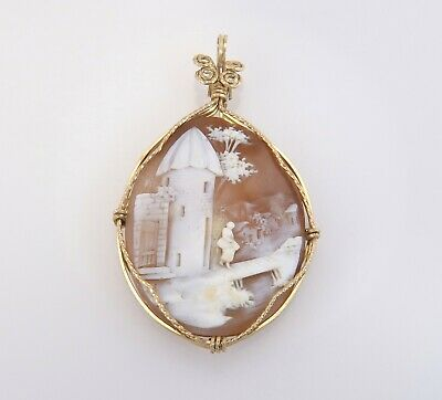 Vintage Estate Hand Carved Brown & White Cameo 14k Yellow Gold Pendant 9g