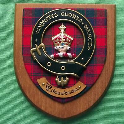 Vintage Old Scottish Carved Oak Clan ROBERTSON Tartan Plaque Crest Shield z