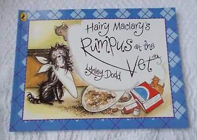 Childs Book - Hairy Maclary's Rumpus at the Vet - Lynley Dodd   p/b