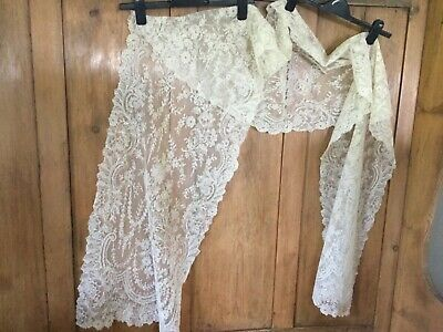 Antique Chantilly lace stole - white - very long