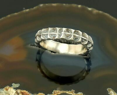 Vtg Sterling Silver Mens Hand Stamped Southwestern Tire Track Band Ring sz 8