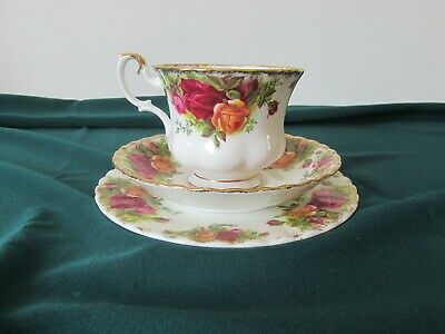 Royal Albert Old Country Roses Tea Trio - Cup, saucer, side plate
