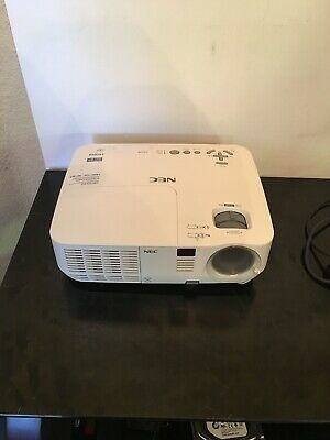 NEC NP-V311W Projector NICE !!!!!!!!!