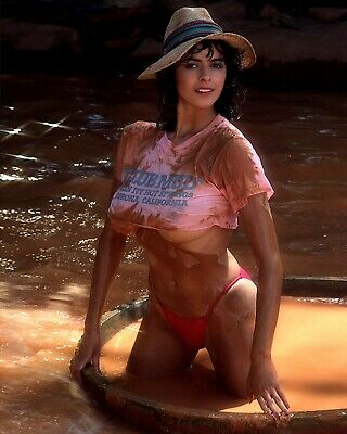Roberta Vasquez Playboy Playmate sexy UNSIGNED 8 x 10 photo  (IN1)