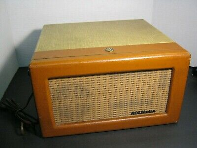 RCA VICTOR RECORD PLAYER 45,model 6-EY-3A TUBE AMPLIFIER VERY GOOD CONDITION