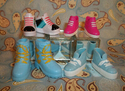 Lot of 4 Barbie Sneakers Fashion Fever / Avenue F584