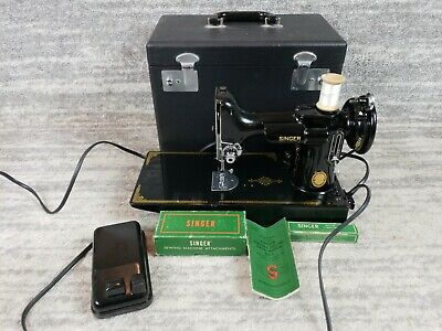 Vintage SINGER 221-1 Featherweight Sewing Machine w/ Pedal, Extras & Case