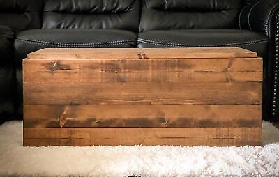 Rustic Wooden Farmhouse Storage Chest Trunk in Provincial
