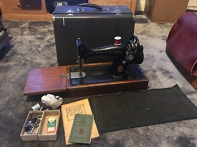 Singer No99 Working Sewing Machine with Lots of Attachments, Instructions & Case