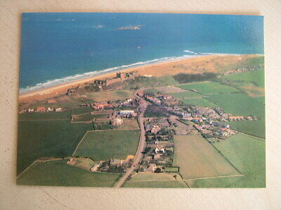 AIR FOTOS POSTCARD - BAMBURGH CASTLE, BUDLE BAY & HOLY