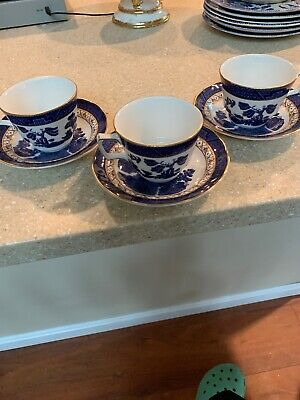 3 Antique Booths Real Old Willow Blue & Gold Scalloped Saucers & 3 Cups