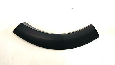 Genuine Land Rover Discovery 3&4 RH Primed Rear Wheel Arch Moulding - LR010627