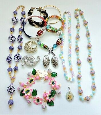 Lot of Vintage to Mod Jewelry - Necklaces Bracelets Earrings Brooches JN19LOTJ