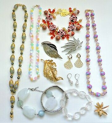 Lot of Vintage to Mod Jewelry - Necklaces Bracelets Earrings Brooches JN19LOTL