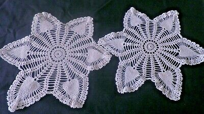 """PAIR of LARGE VINTAGE CROCHET LACE  DOILIES in BEIGE - 15"""" - PINEAPPLE DESIGN"""