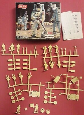 VINTAGE AIRFIX ASTRONAUTS / Window Box / COMPLETE SET MAINLY ON SPRUES / NM