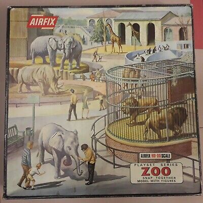 VINTAGE AIRFIX PLAYSET SERIES : ZOO / Boxed And Complete / 1/72 Scale Set /  VG
