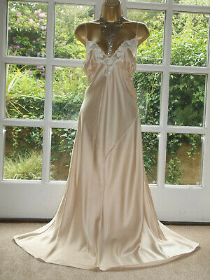 """Vintage Style Slinky Light Gold Satin Lacy Nightie Nightdress Gown 44"""" Tall Girl"""
