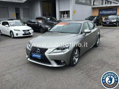 Lexus IS 300 300h 2.5 Luxury cvt