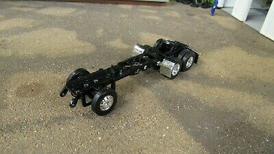"""5 1//2/"""" DCP PETE 579 SEMI TRUCK CHASSIS FRAME CUSTOM BUILT PROJECT/'S BUILD/'S 1:64"""