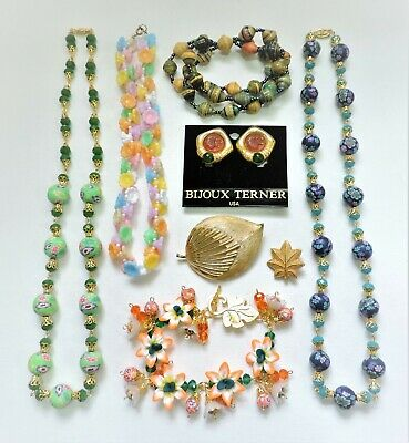 Lot of Vintage to Mod Jewelry - Necklaces Bracelets Earrings Brooches JN19LOTM