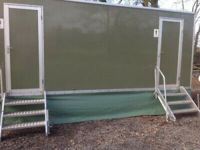 Fully self contained toilet trailer