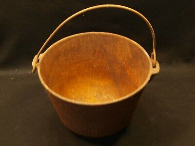 Heavy 8 Pound Antique #7 Wire Handled Cast Iron Footed Cauldron Cookware Pot