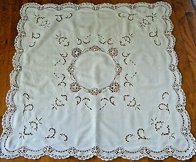 Old Vtg Tablecloth Madeira emb/ry & applique Cluny bobbin lace inserts elegant.