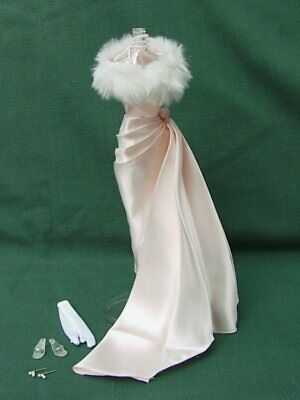 ENCHANTED EVENING OUTFIT # 983 ELEGANT PEACH GOWN w FUR STOLE   SILKSTONE BARBIE
