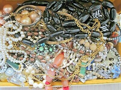 ENORMOUS JOB LOT Antique & Vintage Jewellery Some damaged for repair/spare