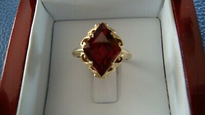 14K Yellow Gold Antique Ring With Fancy Cut Red Stone Size 6.25
