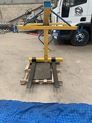 Crane Pallet Forks With Brick Net Good Condition Call 07790695168