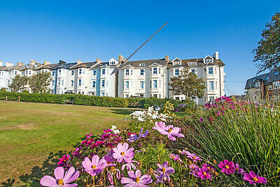 Holiday Apartment - Seaton Devon Jurassic Coast Sleeps 2 - 4 (Info Booklet)